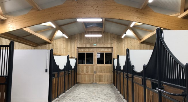 Stud Lebas : stables and horse arena lighting